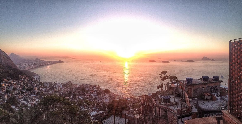 Nascer do sol no Morro do Vidigal
