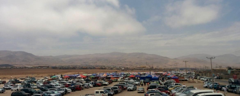 Estacionamento da feira das pulgas em Alto Hospício
