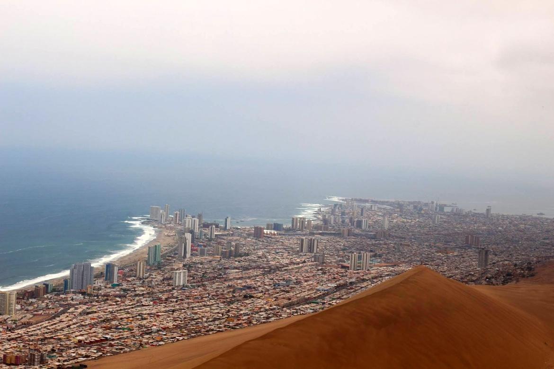 Iquique a cidade no meio das dunas