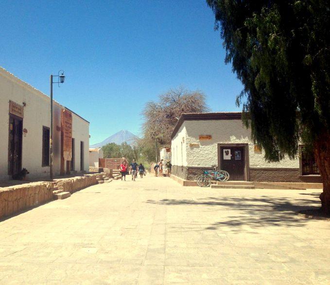 Pelas Calles de San Pedro (é perto dessa rua que ficam os restaurantes bãos!)