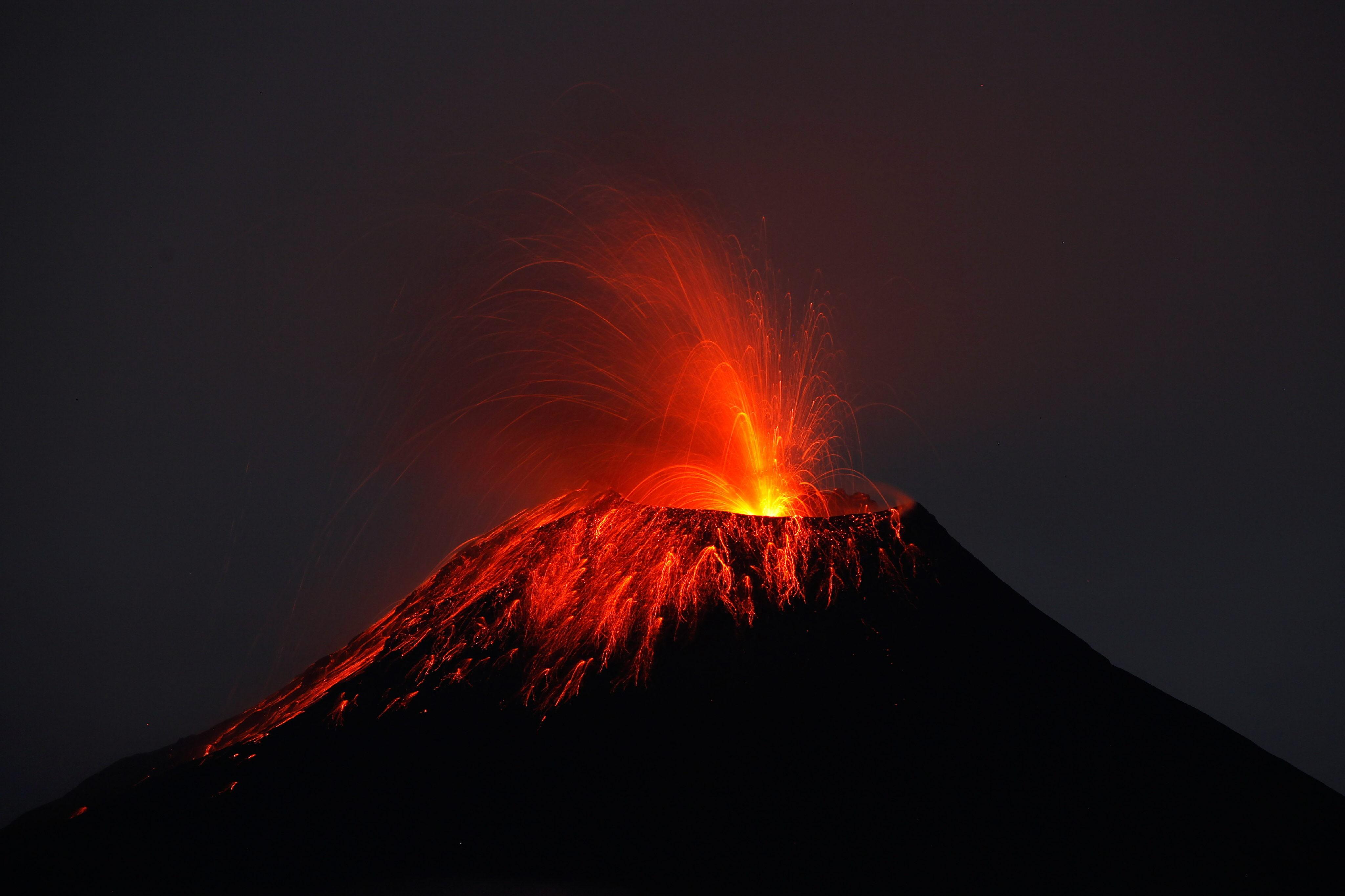 Vulcão em erupção no ano de 2010