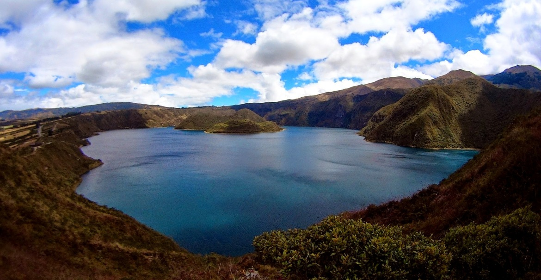 La Cratera de Laguna Cuicocha