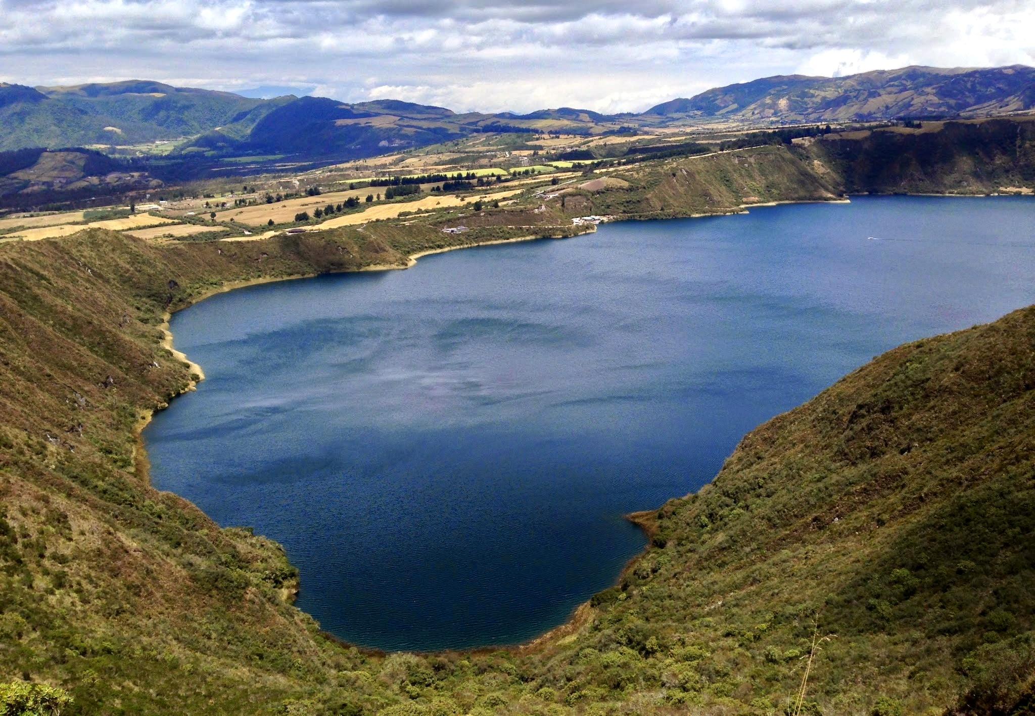 O Azul da Laguna Cuicocha